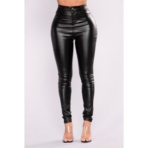 M New Fashion Nova Faux Leather pants Like New